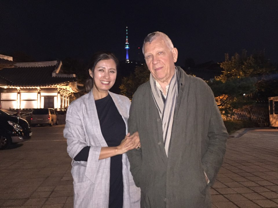 With Sumi, a jewelry designer, who showed amazing hospitality for Bruce, the first time visitor to Seoul.